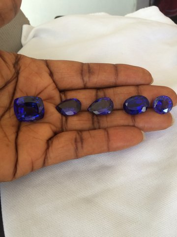 Tanzanites direct from the source