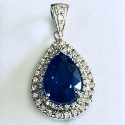 18 carat white gold tanzanite